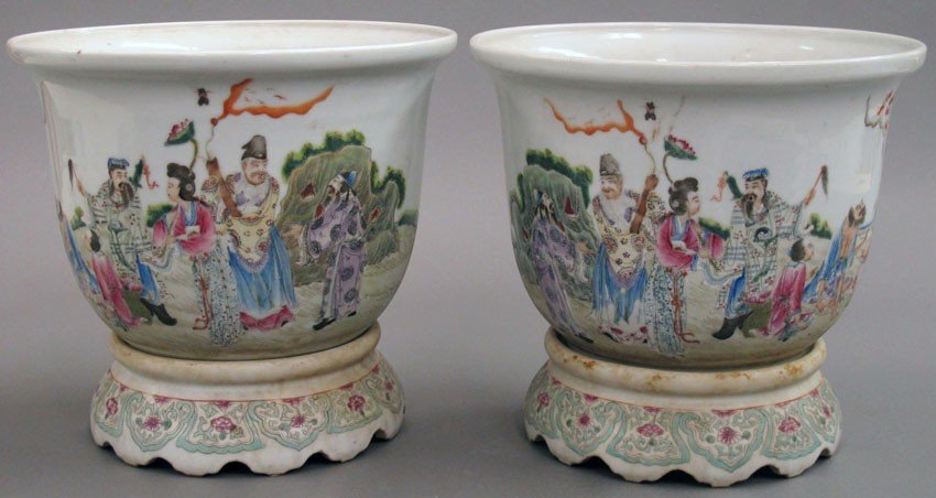 PAIR OF PAINTED PORCELAIN CHINESE FLOWER POTS h