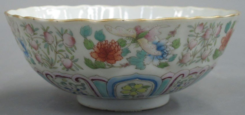 CHINESE PORCELAIN PAINTED BOWL circa early 20th