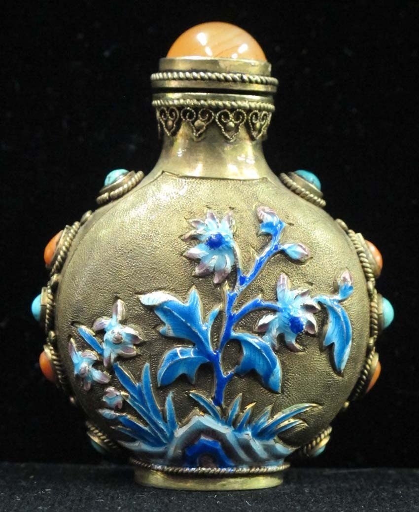 CHINESE SILVER ENAMELED SNUFF BOTTLE with lapis
