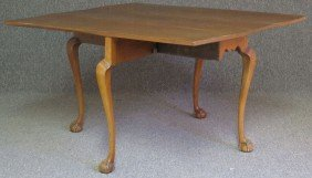 EARLY AMERICAN CHERRY DROP LEAF TABLE With Claw