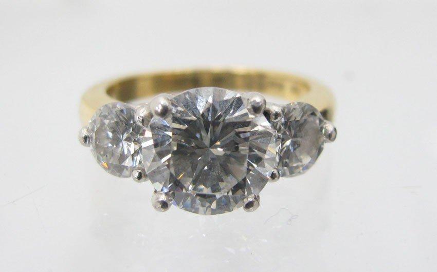 9031: 18KT AND PLATINUM DIAMOND RING, 2.15 CT