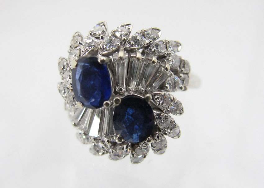 9179A: 18KT DIAMOND AND SAPPHIRE RING
