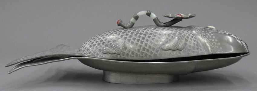 8604:  CHINESE PEWTER COVERED FISH FORM CONTAINER lengt