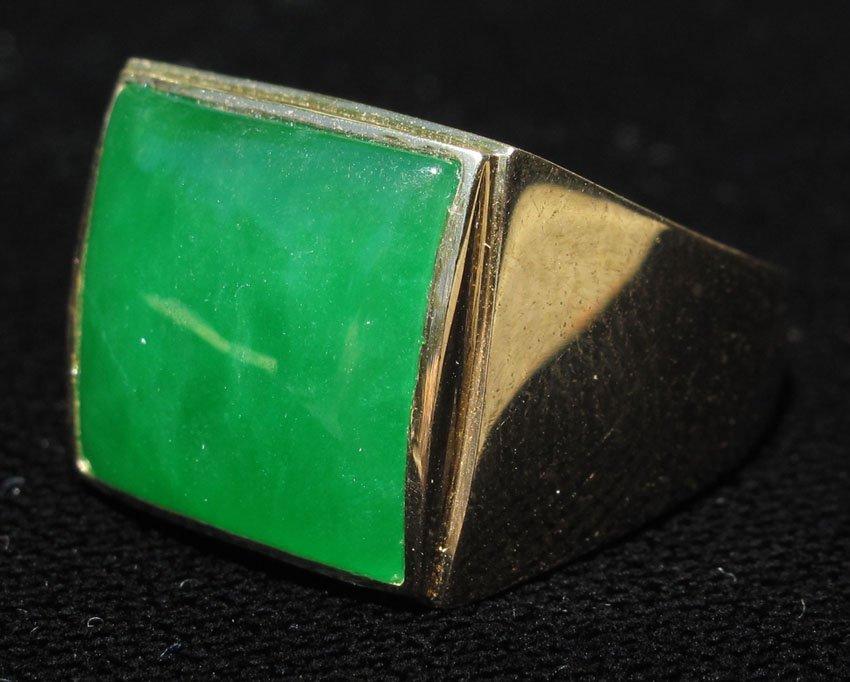 8495: MANS JADE RING stamped 14kt
