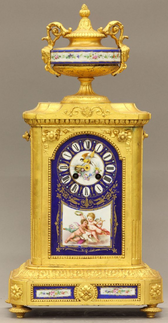 7961: FRENCH PORCELAIN PAINTED PARLOR CLOCK late 19th c