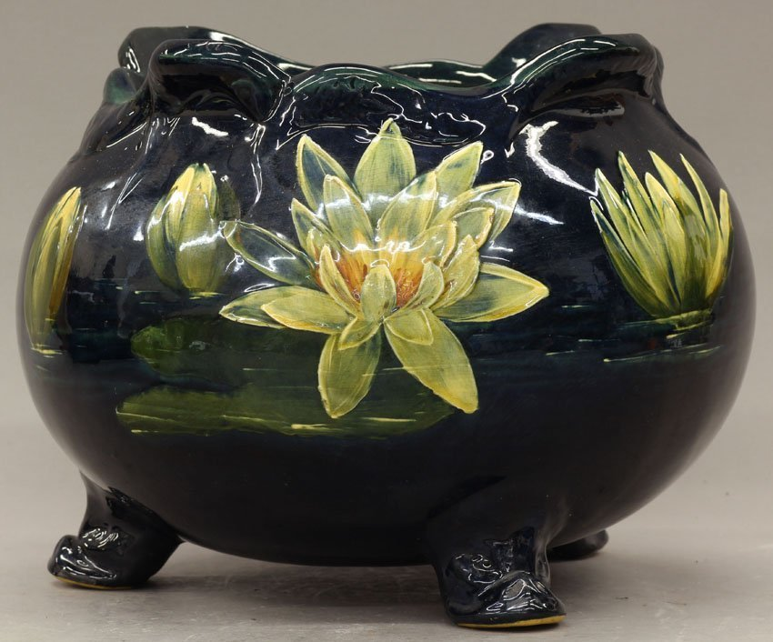 7970: WELLER ART POTTERY JARDINIERE early 20th century