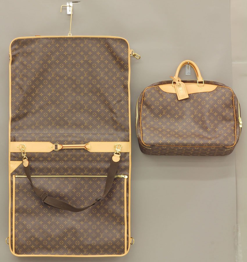 8494: SET OF (2) LOUIS VITTON LUGGAGE