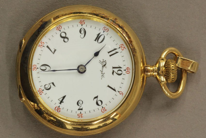 8498: TIFFANY & CO. 18KT LADIES POCKET WATCH