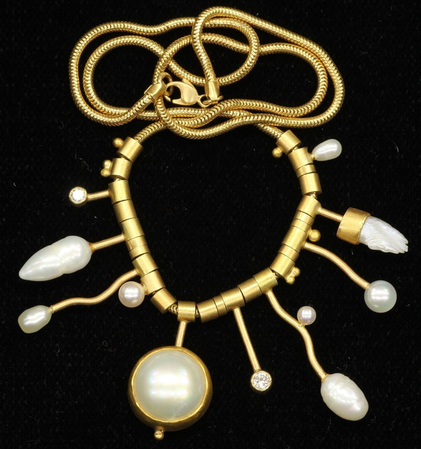 1003: VINTAGE 14KT NECKLACE with pearls