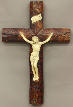 1007: FRENCH PORCELAIN CROSS circa late 19th/early 20th