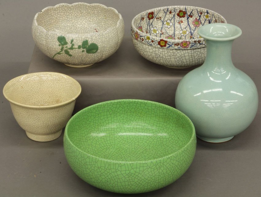 LOT OF (4) JAPANESE CRACKLED PAINTED CELADON BOWLS AND