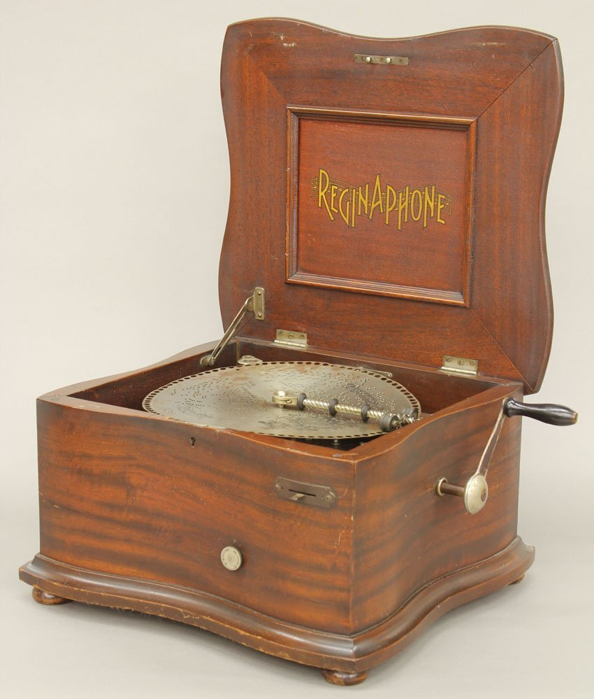 REGINA PHONE MAHOGANY DOUBLE COMB MUSIC BOX