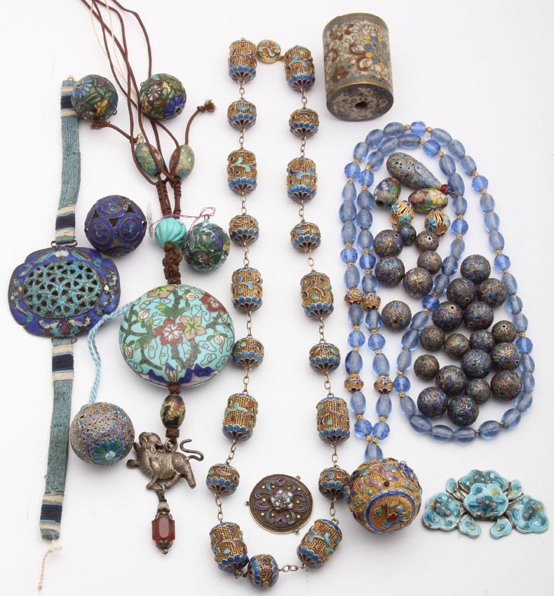 LOT OF EARLY CHINESE CLOISONNE JEWELRY