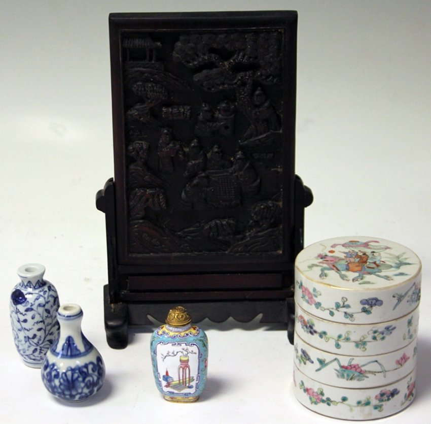 LOT OF (5) VINTAGE CHINESE PORCELAIN, TABLE SCREEN