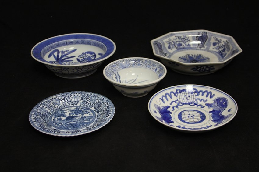 LOT OF (5) CHINESE VINTAGE BLUE/ WHITE PORCELAIN