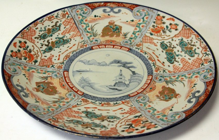 JAPANESE MEJI PERIOD PAINTED CHARGER