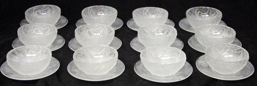 SET OF (12) BOWLS AND SAUCERS