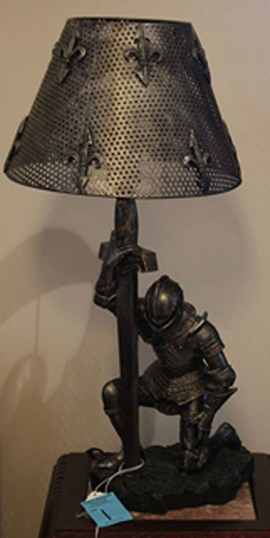 PAIR OF FIGURAL COMPOSITION LAMPS OF KNIGHTS