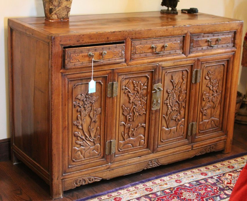 VINTAGE CHINESE CARVED CHEST, 19TH CENTURY
