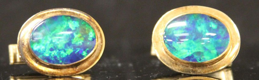 PAIR OF 14KT OPAL CUFF LINKS