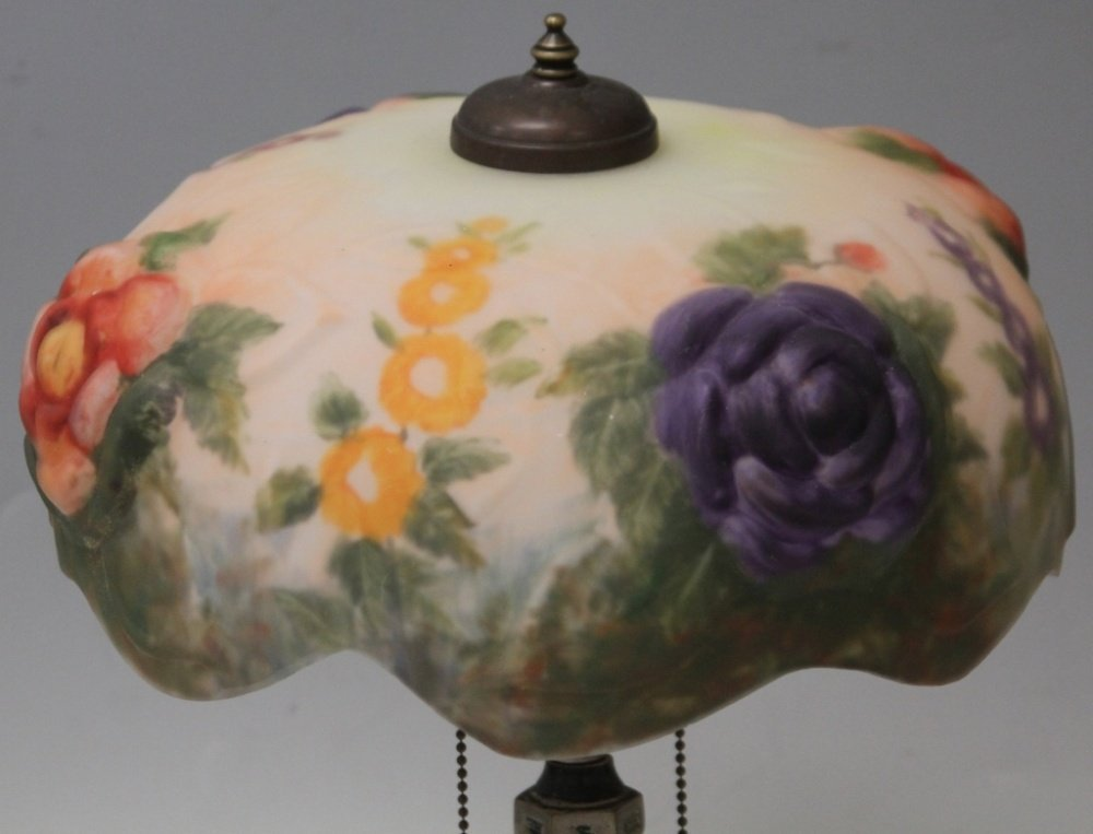 PAIRPOINT STYLE PUFFY LAMP WITH VINTAGE BASE - 2