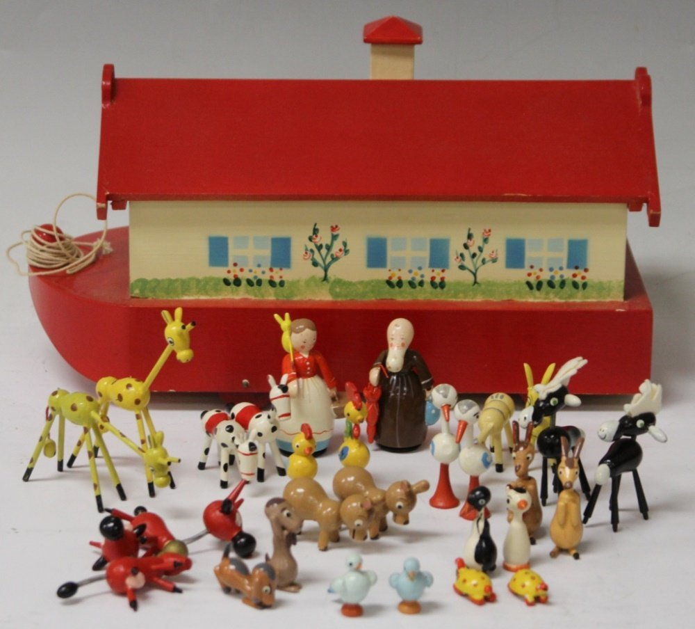 VINTAGE NOAH'S ARK TOY AND FIGURE SET
