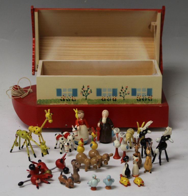 VINTAGE NOAH'S ARK TOY AND FIGURE SET - 2
