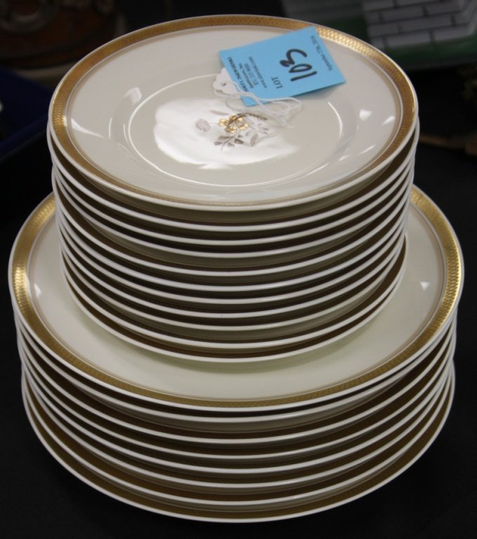 SET OF (19) ROYAL COPPENHAGEN PORCELAIN PLATES