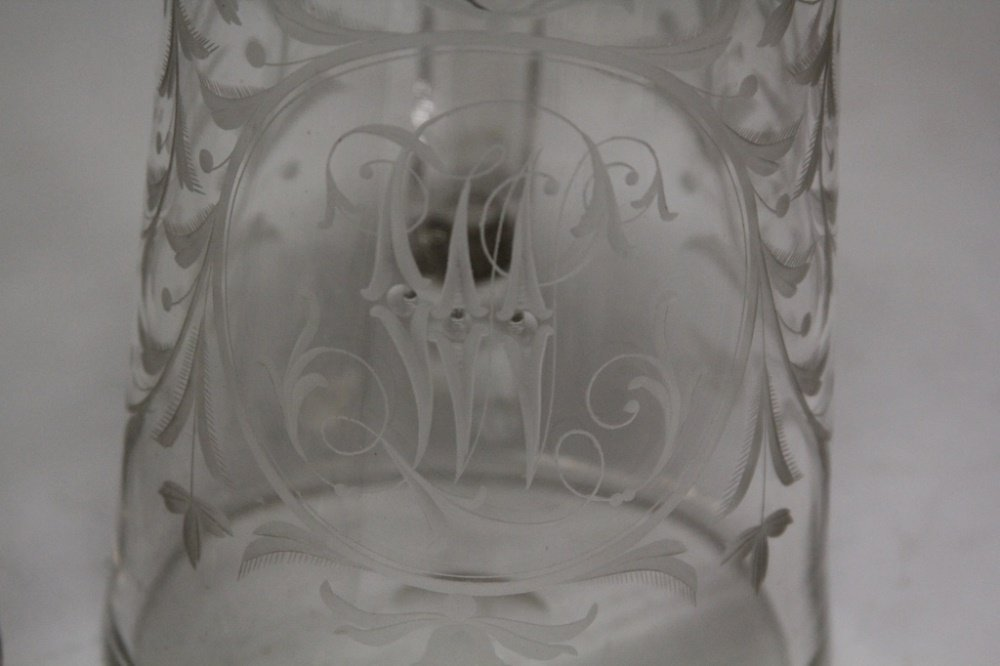 PAIR OF 19TH CENTURY ETCHED GLASS STEINS - 2