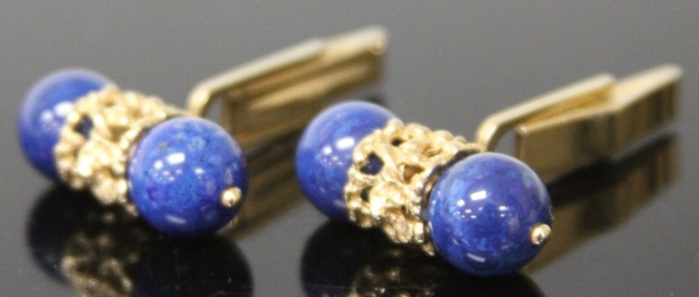 PAIR OF 14KT LAPIS LAZULI CUFF LINKS