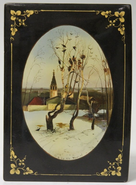 VINTAGE RUSSIAN LACQUERED BOX, ARTIST SIGNED