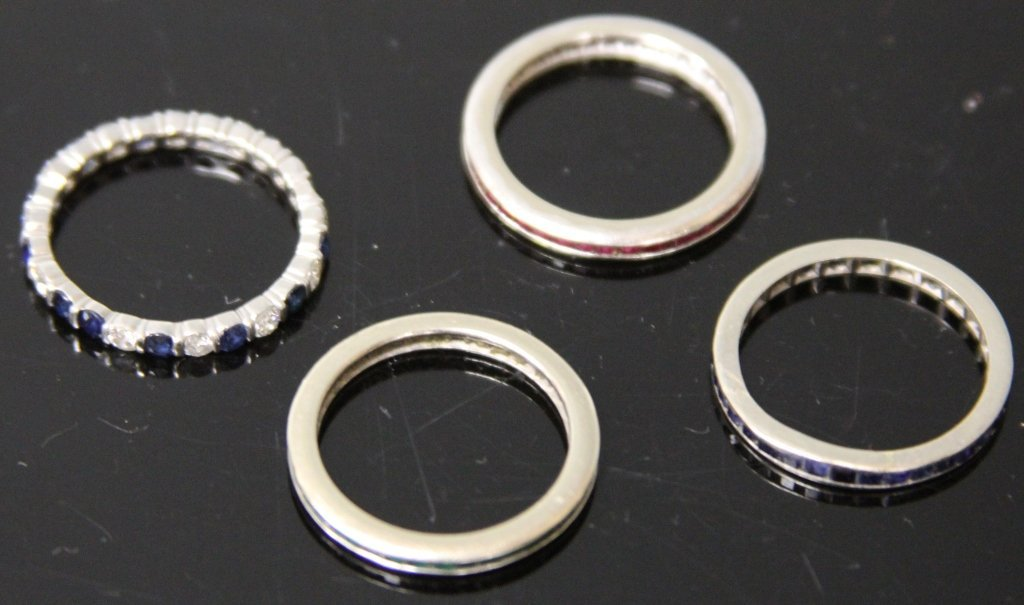 SET OF (4) RINGS, 10KT AND SYNTHETIC