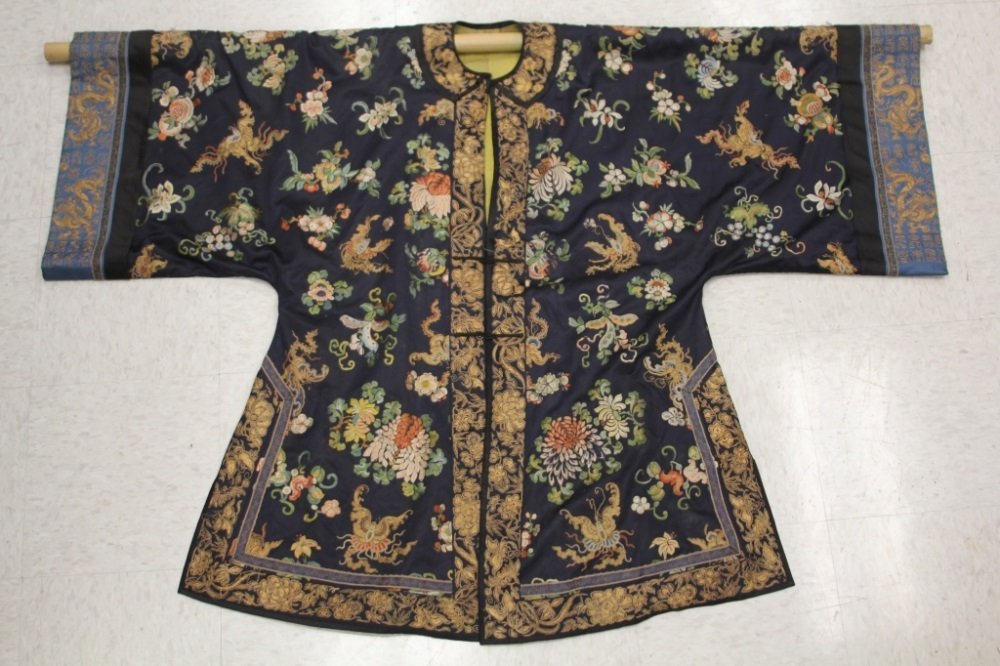 QING DYNASTY SILK EMBROIDERED ROBE