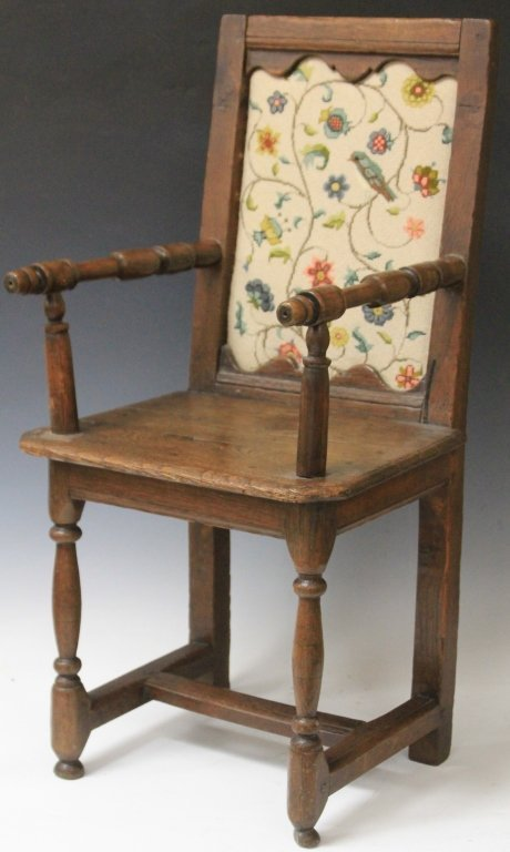18TH CENTURY WILLIAM & MARY OAK CHILD'S CHAIR