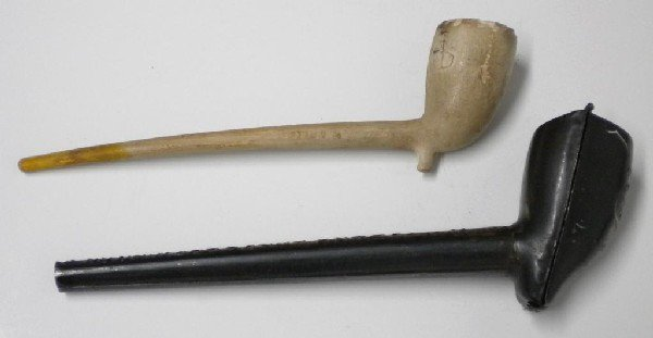7: Frank Jones Brewing Co. Clay Pipe & Holder