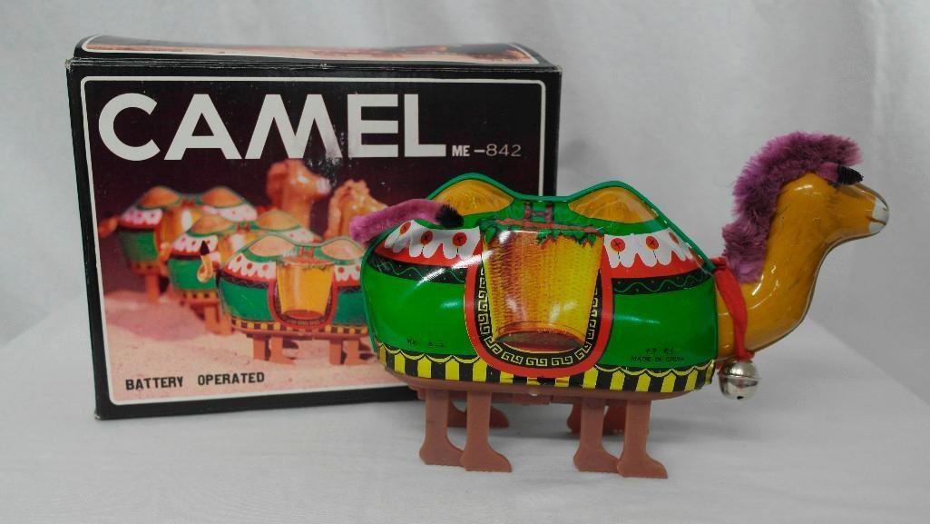 Two-Hump Camel Tin Litho Toy - ME-842 Battery-Operated