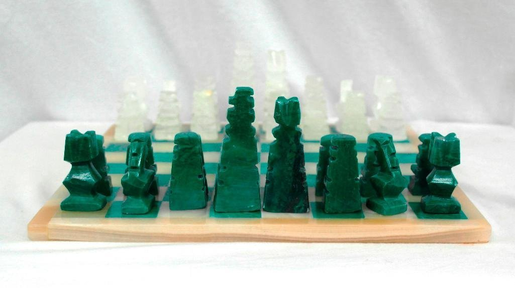 Gorgeous Vintage Marble or Alabaster Chess Set - 3
