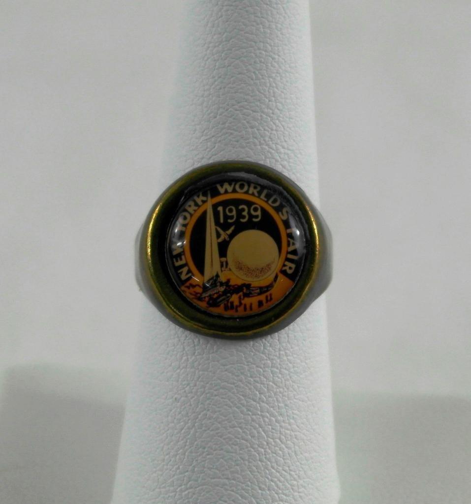 2 New York World's Fair Jewelry Pieces - 5