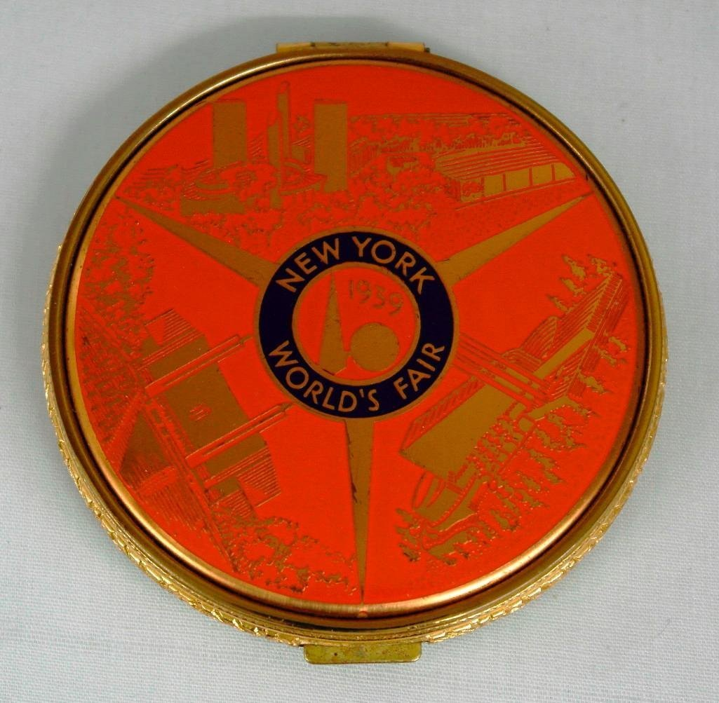 New York World's Fair Ladies Compact