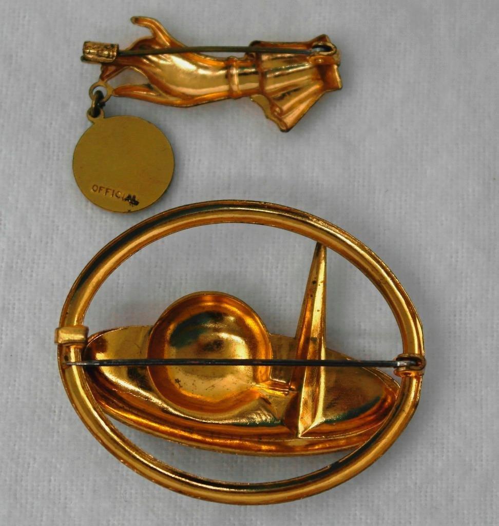 2 New York World's Fair Souvenir Pins - 2