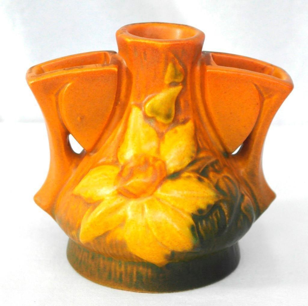 Roseville Clematis Flower Frog vase