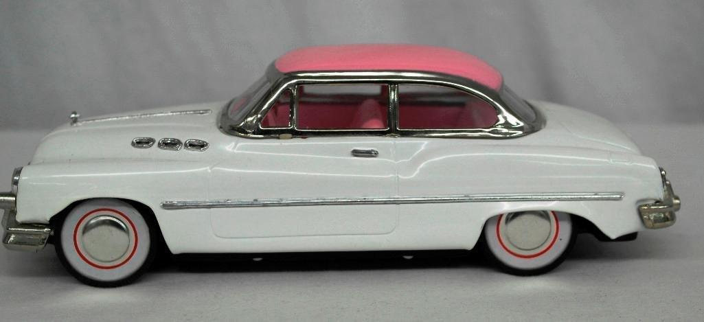 """""""Standard Sedan"""" Model Car - 2"""