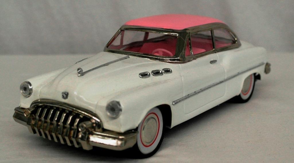 """""""Standard Sedan"""" Model Car - 3"""