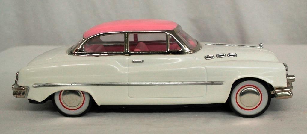 """""""Standard Sedan"""" Model Car - 4"""