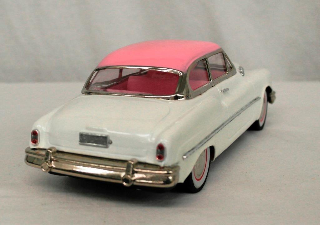"""""""Standard Sedan"""" Model Car - 5"""