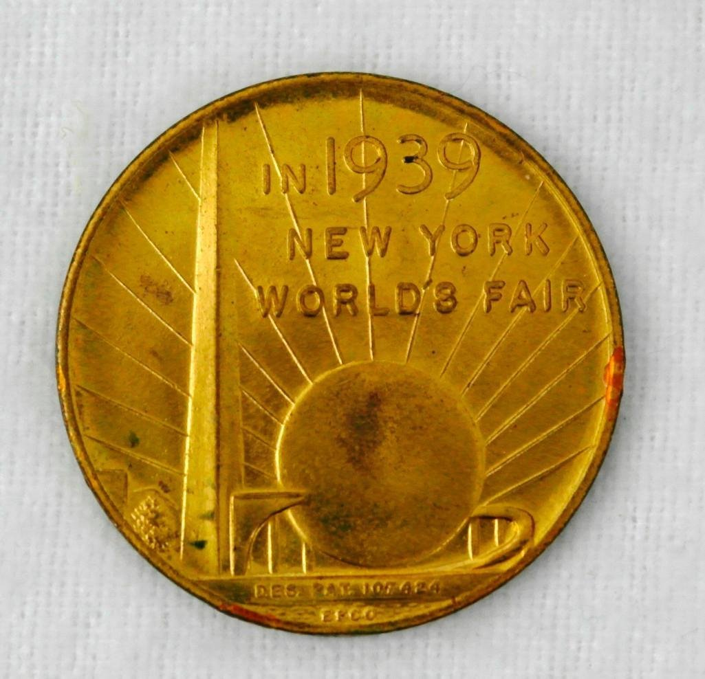 3 New York World's Fair Copper And Brass Coins - 2