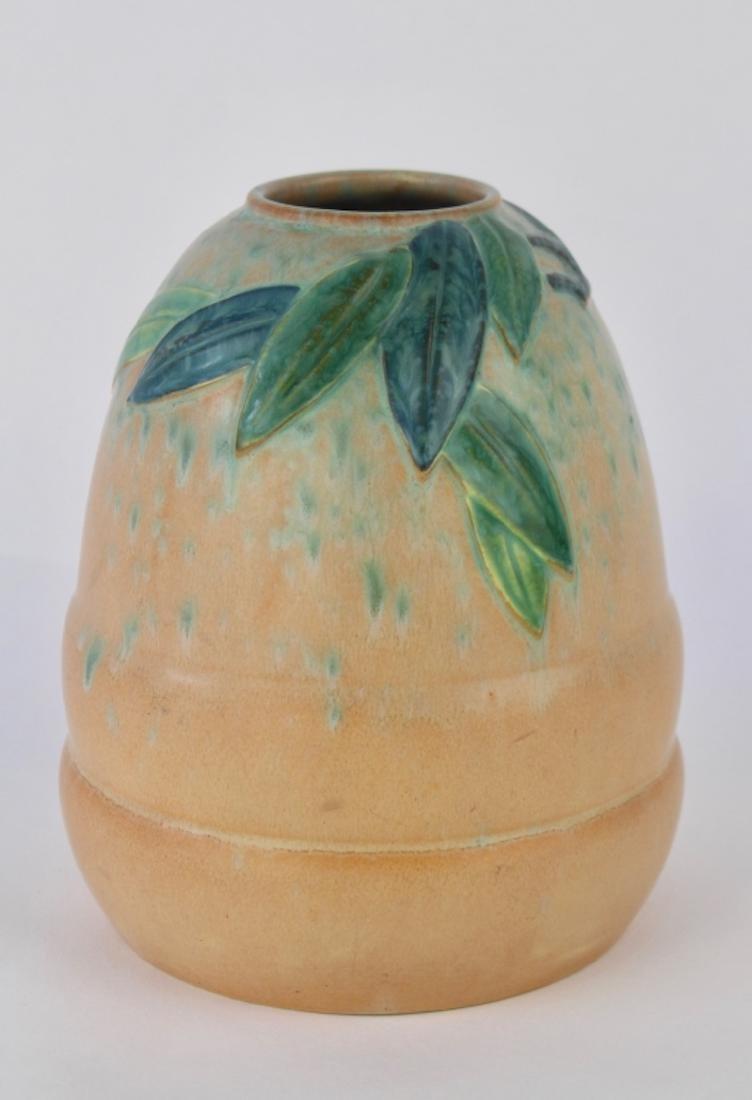 Roseville Futura Vase The Beehive