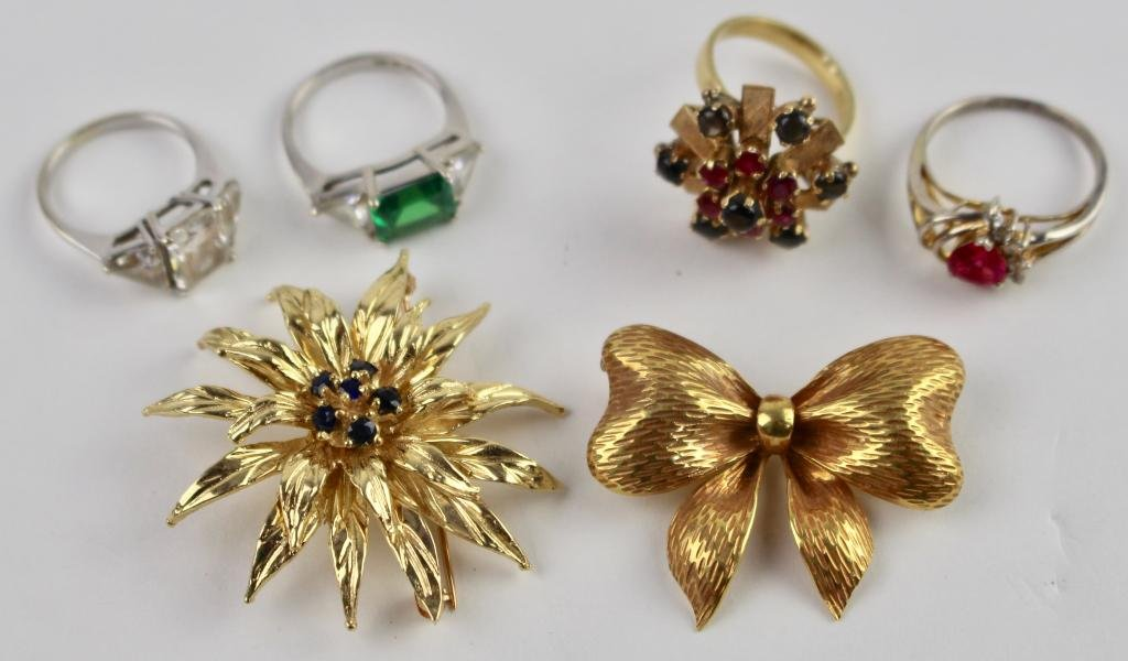 Lady's 14K Gold Jewelry Group