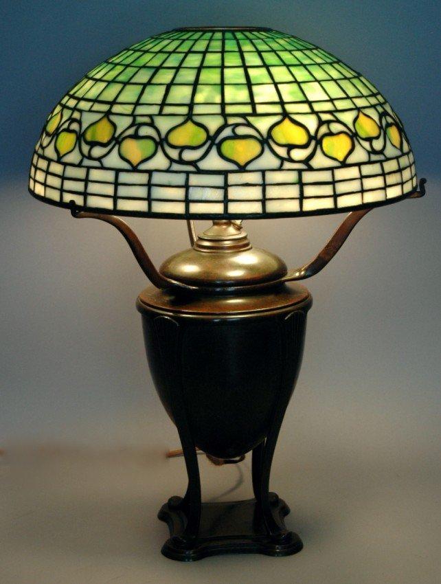 132: TIFFANY BRONZE BASE OIL LAMP