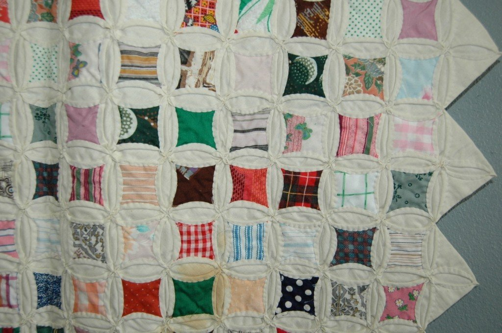 "117: Printed Cotton Patchwork ""Cathedral Window"" Quilt - 2"